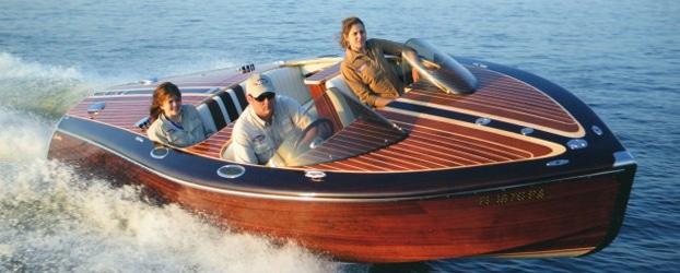 classic-boat-img